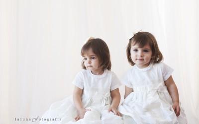 Las fotos de Alejandra y Paula para su bautizo. Retratos infantiles, ni más ni menos…